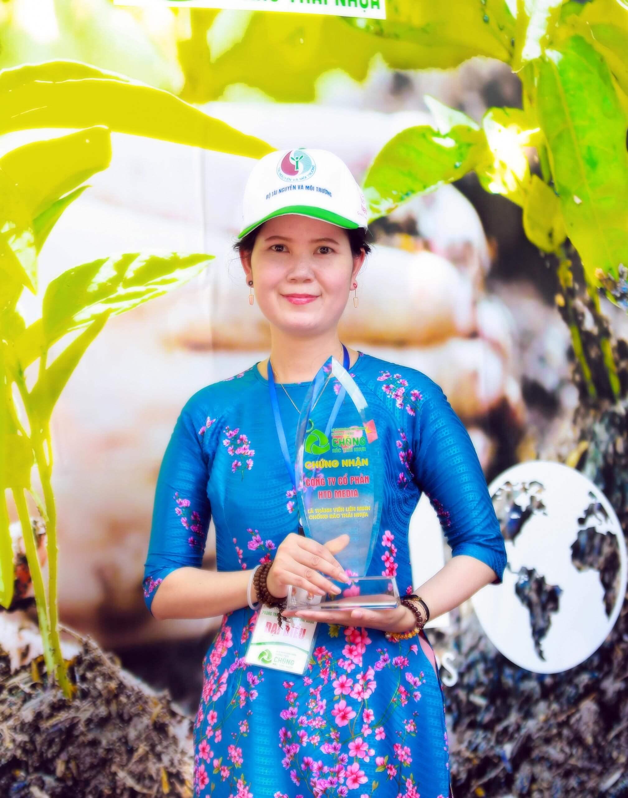 Ảnh tác giả Nguyễn Thị Kim Đức